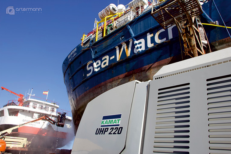KAMJET and KAMAT hp accessories in action for stripping the Sea Watch 3 in Spain