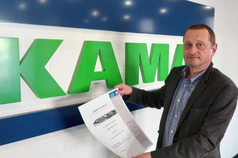 Renewed: KAMAT's Managing Director Dr.-Ing. Andreas Wahl with the new Certificate